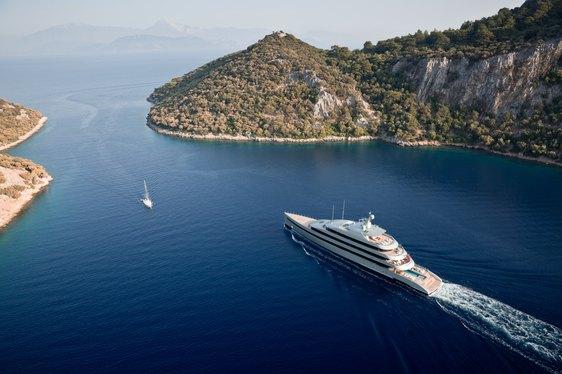 superyacht SAVANNAH from Feadship cruising on charter