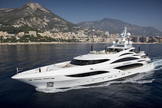 Superyacht Illusion V