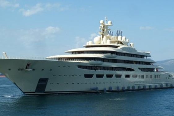 Video: Is Lurssen Superyacht DILBAR The World's Largest Yacht?