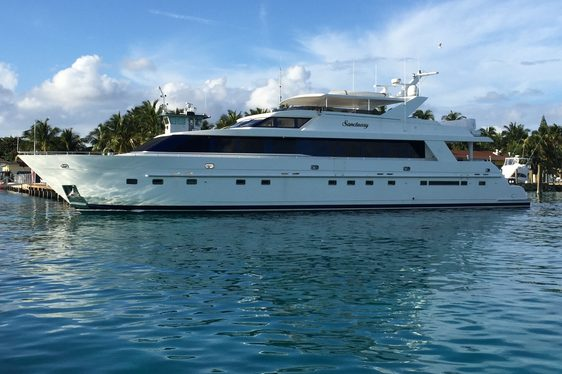 motor yacht SANCTUARY cruising on charter in new england