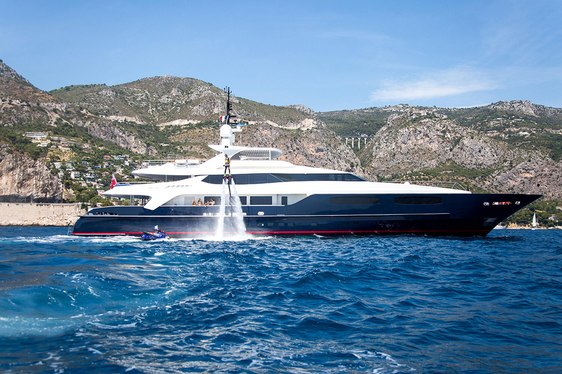 Motor Yacht MISCHIEF Drops Rate for Last-Minute Mediterranean Charter