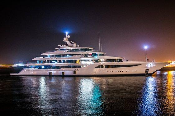 Feadship yacht ROYAL ROMANCE