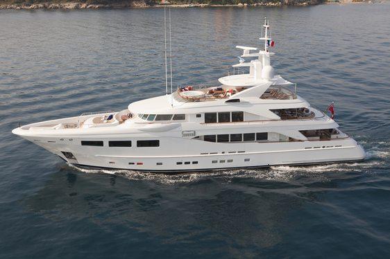 Charter yacht SNOWBIRD