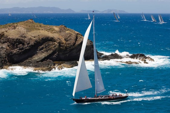 profile of Sailing yacht Whisper cruising on charter
