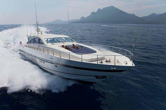Charter yacht Romachris II cruising in the French Riviera