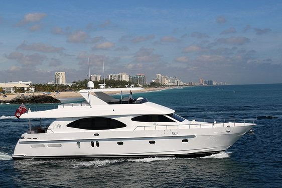 Motor Yacht IRRESISTIBLE Offers Saving of $17,000 for Caribbean Charters