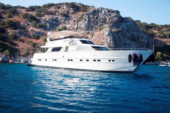 Motor Yacht CAELUM Joins the Global Charter Fleet