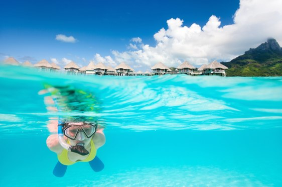 Charter guest snorkelling in Tahiti