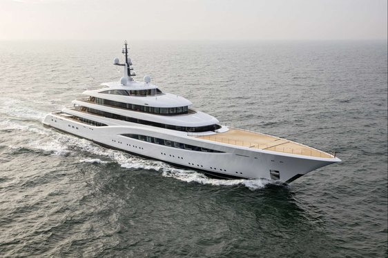 Video: Brand New Footage Of Feadship Superyacht VERTIGO