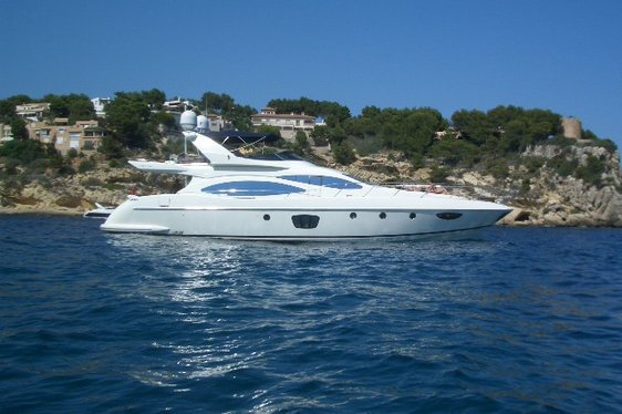 Charter yacht Wini at anchor in Ibiza