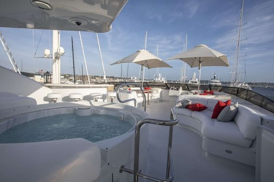 Bahamas charter special aboard luxury yacht INVISION