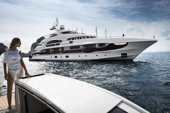 Video: Step On Board 55m Superyacht 'Quinta Essentia' Ahead Of The Monaco Yacht Show 2016