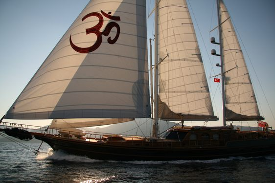 Reduced Rates on S/Y SHANTI in August and September