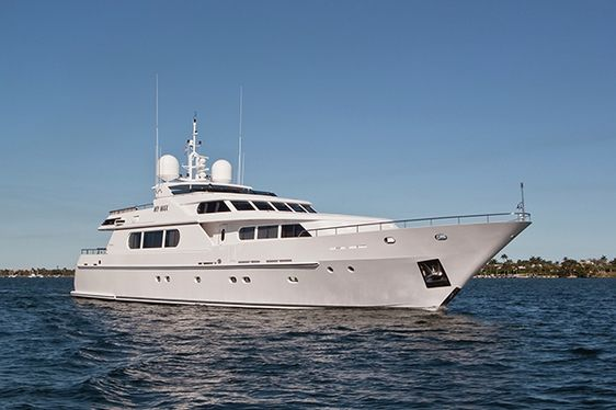 M/Y MIMU in the Caribbean