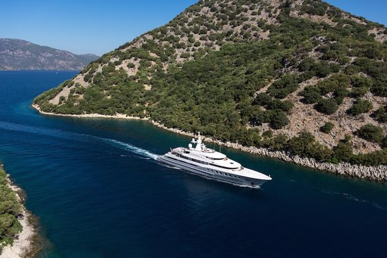 VIDEO: Superyacht AXIOMA Crosses the Atlantic