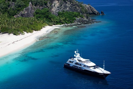 Motor Yacht 'Noble House' Available for Central America Charter