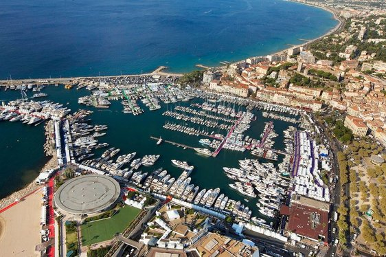 Video: Charter Yachts Gather For The Cannes Yachting Festival 2016