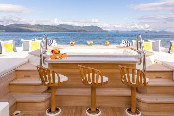 Discover New Zealand and Fiji Aboard Luxury Yacht 'Endless Summer'