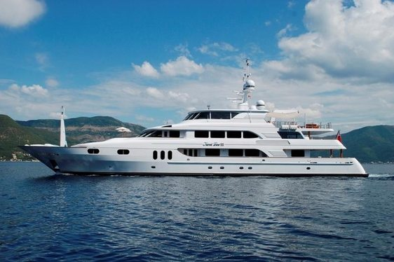 Charter Deal Available for Superyacht 'Keri Lee III'