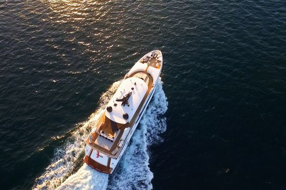 Luxury Yacht SAHANA Offers 10% Discount on Australian Charters