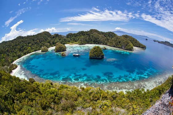 Indonesia Aims to Increase Tourism by Cutting Import Tax on Superyachts