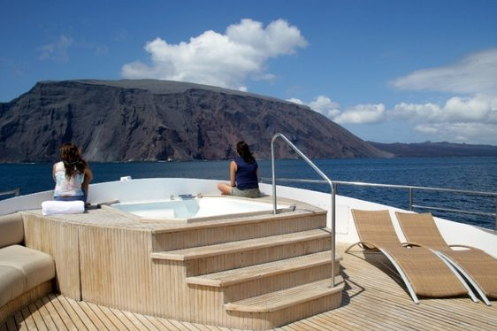 Superyacht INTEGRITY Reduces Weekly Charter Rate In The Galapagos Islands