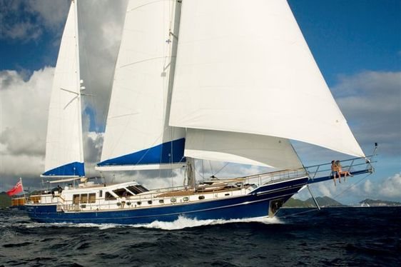 Charter yacht QUEEN SOUTH sailing in the Caribbean