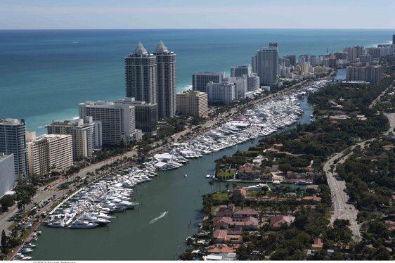 Miami Yacht & Brokerage Show 2014