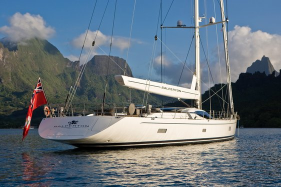 Back/side profile of charter yacht 'Salperton IV'