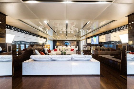 Charter Yacht 'Flying Dragon' Nominated for IY&A Award