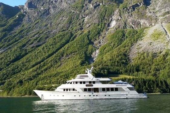 daydream yacht on the water