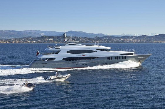 Superyacht 'Zoom Zoom Zoom' Open for Bahamas Charters This Spring