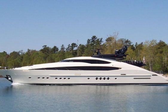 Charter Yacht Vantage cruising in the Mediterranean