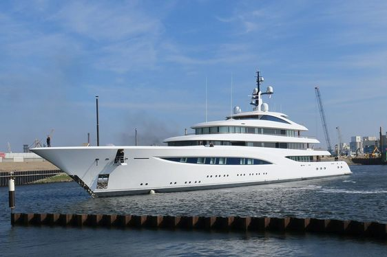 96m Superyacht VERTIGO Delivered By Feadship