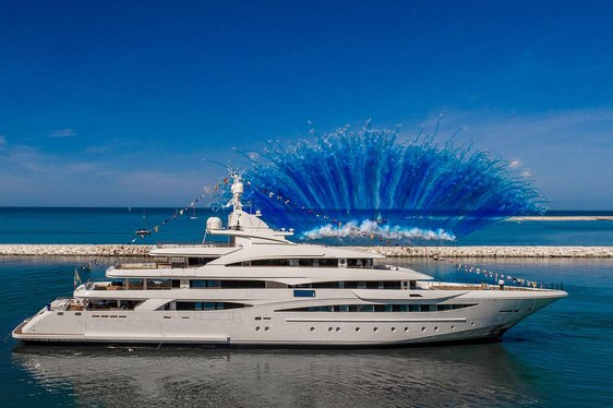 79m CRN superyacht MIMTEE sees delivery