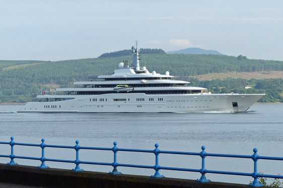 SPOTTED: World's 2nd Largest Superyacht ECLIPSE in Clyde, Scotland