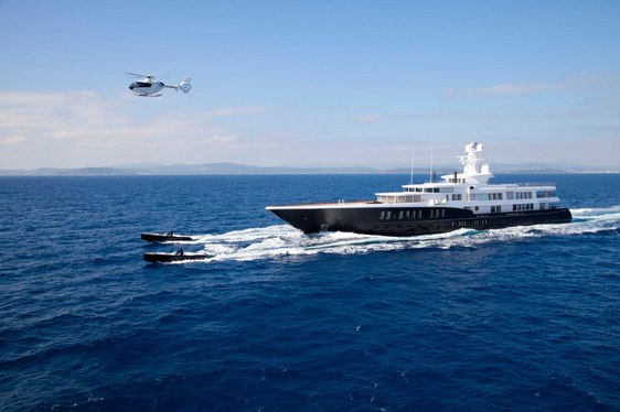 #THROWBACK VIDEO: 81m Feadship Superyacht AIR Makes Surprise Visit to Ireland
