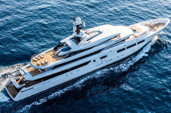VIDEO: New Footage Gets Up Close To Superyacht SUERTE