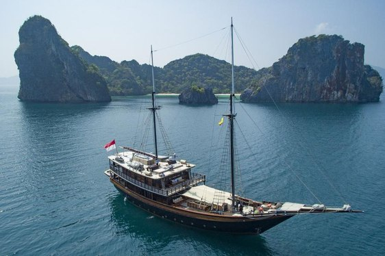 Video: Charter Yacht 'Dunia Baru' Available In Myanmar This Winter