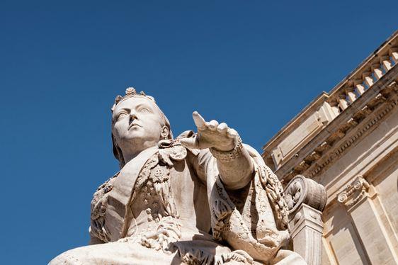 Statue of Queen Victoria in Republic Square