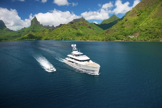 Big Fish Charter Yacht in Tahiti