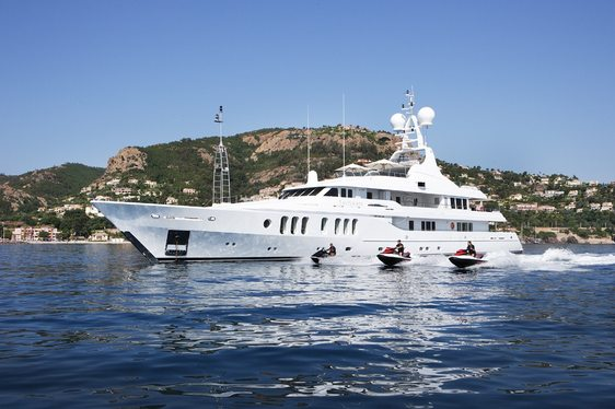 Charter Discount on Superyacht Talisman Maiton