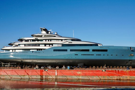 Video: Superyacht AVIVA Appears At Abeking & Rasmussen Shipyard