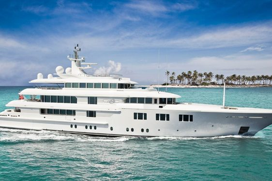 Superyacht Lady E underway in Thailand
