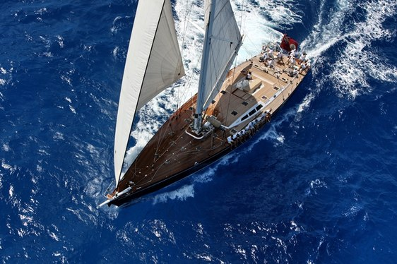 Sailing in Tahiti on Charter Yacht 'Ocean's Seven 2'