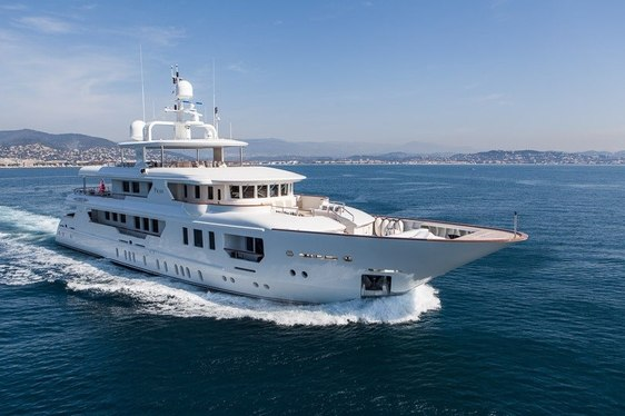 Charter Yacht PRIDE Available in the French Riviera at Reduced Rates