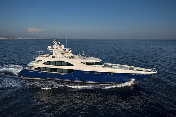 Superyacht RESILIENCE Offers Monaco Grand Prix Charter Deal
