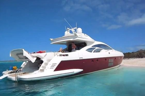 Luxury yacht charter Bahamas on board Azimut 86