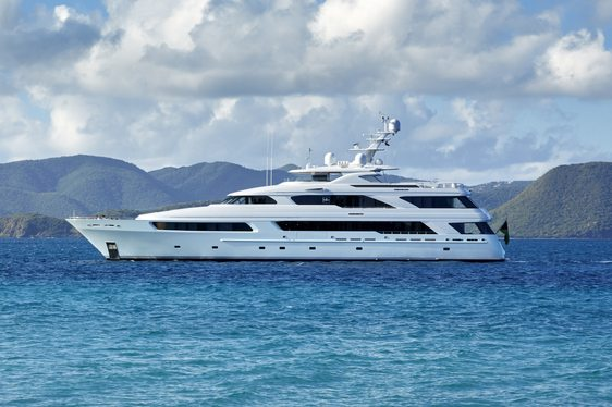 Superyacht 'Victoria del Mar' One of Few with Winter Availability in the Caribbean