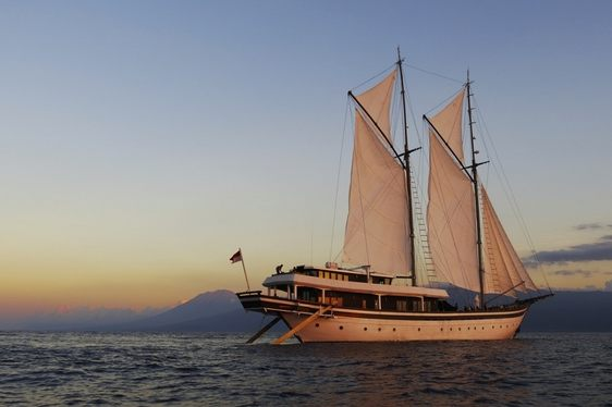Sailing Yacht ZEN Offers Charter Deal